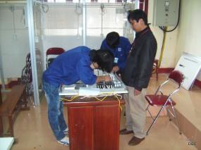Thầy và trò Khoa điện - điện tử